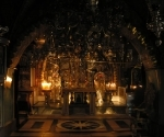 church-of-the-holy-sepulchre-interior-2