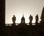 statues-on-the-roof-st-pauls