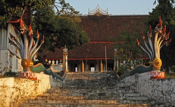 Naga bannisters at Wat Mahathat